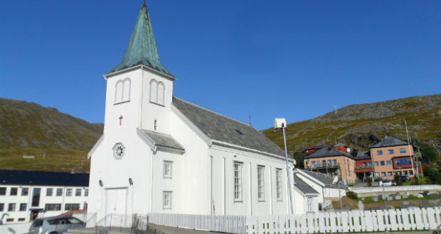 Honningsvåg, Scandinavia, church, crowd, cruise, ferry, Hurtigruten, overtourism, church, funeral, Norway