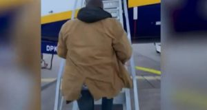 Lee Cimino, Ryanair, flight, suitcase, baggage, rules, pay, lining, pockets, avoid, fee, charge, bag, size, film, video