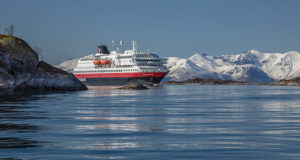 Hurtigruten, environment, cruise, sail, ships, limit, restrictions, HFO, heavy fuel oil, Norway, coast, power, LNG, emissions, Arctic, Antarctica, biogas, methane, fish