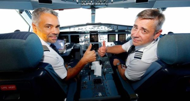 SAS, pilots, retire, young, pay scale, costs, salaries, captain, co-pilot, recruitment, shortage, benefits, strike, pilots, wages, pay, hours, conditions, SAS Pilot Group, warning, April, date