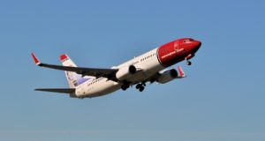 737-800, Norwegian, sale, sell, aircraft, planes, disposal, assets, performance, MAX, stats, March, on time, punctuality, passengers, capacity, costs, debt